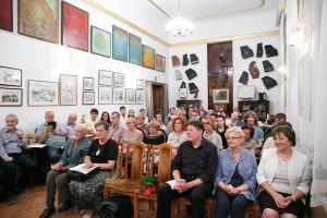 Listeners of the closing concert  in  Music and Literature Club, 24.08.2017. Photo by Andrzej Solnica.